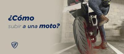 ¿Cómo subir a una moto?